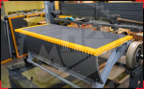 Ступени эскалаторов с полимерными настилами