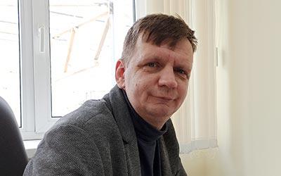 """Автор статьи """"Что такое прессc-форма?""""  Дмитрий Владимирович Щербина   МПИ"""